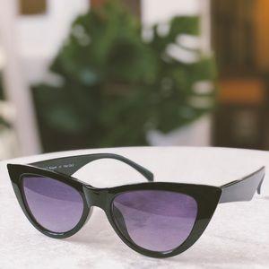 🆕Essex Black Cat Eye Sunnies
